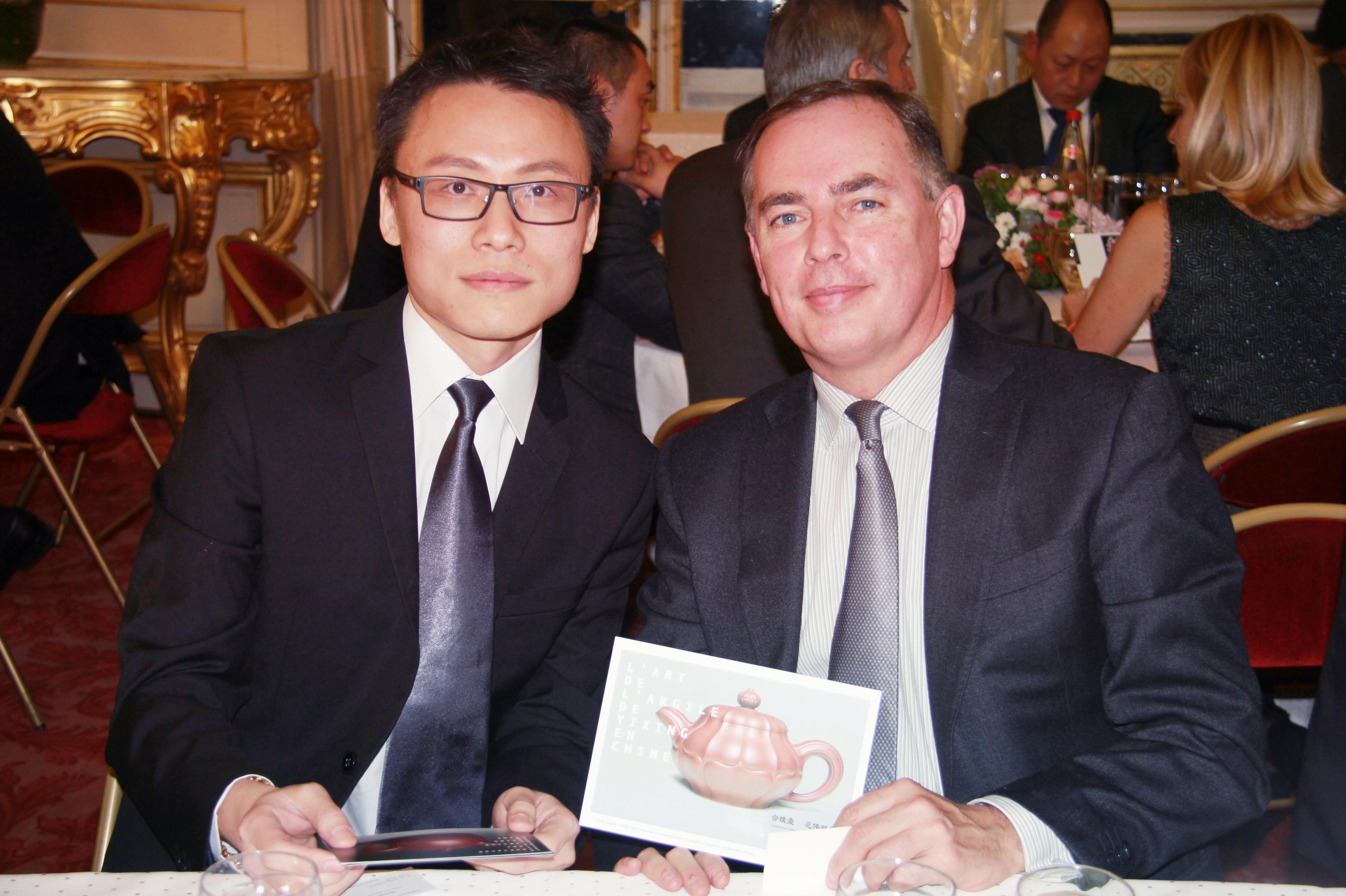 与法国总统奥朗德的顾问RULLIER